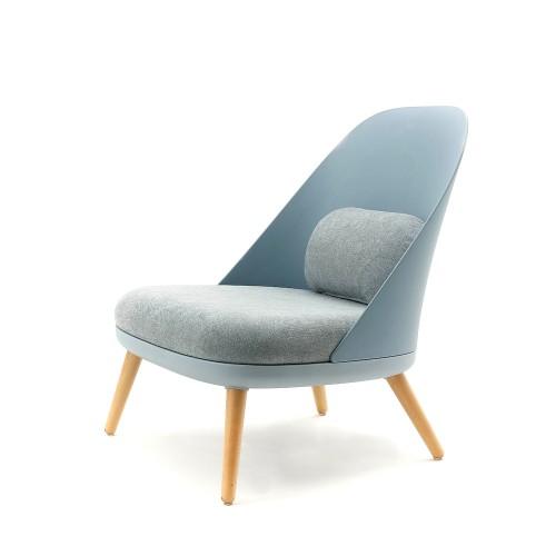 Poltrone Design In Offerta.Poltrona Moderna Titty Poltrone Moderne Di Design